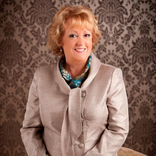 Kathleen Nolan - Jersey Shore Woman